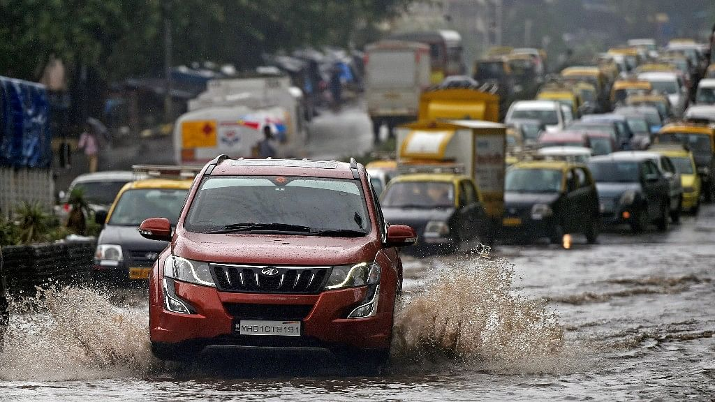 IMD Predicts Heavy Rain in Mumbai, Thane; At Least 3 Killed So Far