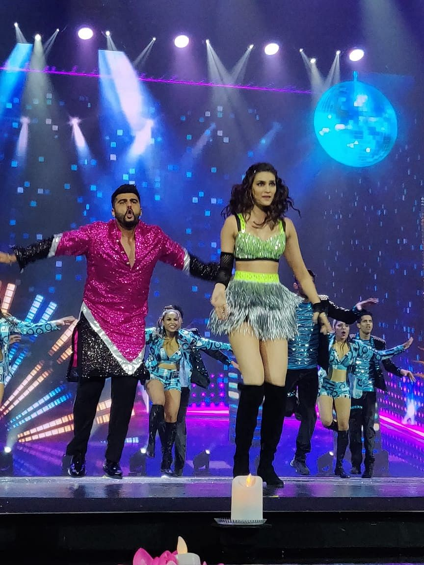 Arjun Kapoor and Kriti Sanon dance to Tune Maari Entriyaan