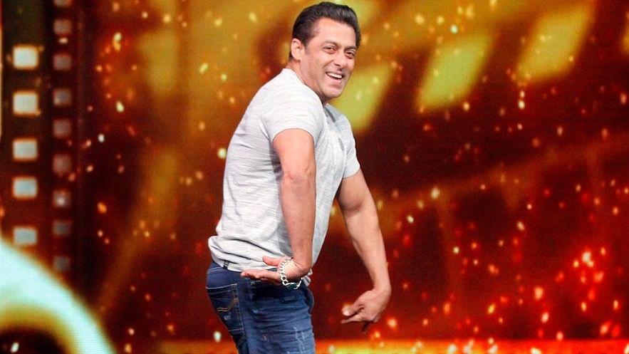 Salman Khan joined the team on the dance floor as well.
