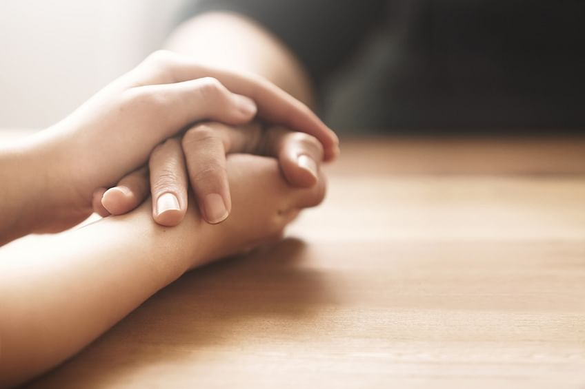 A support giver should be tuned in to the mourner's emotions. (Photo: iStock)