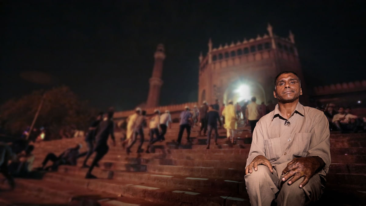 What It Takes to Be a Human Alarm Clock During Ramzan