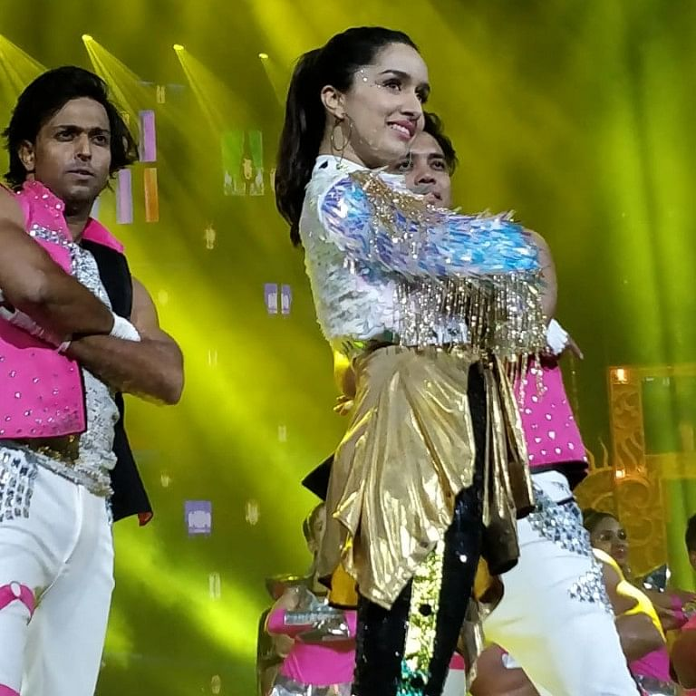Shraddha Kapoor brought the heat to the IIFA stage with her sizzling performance!