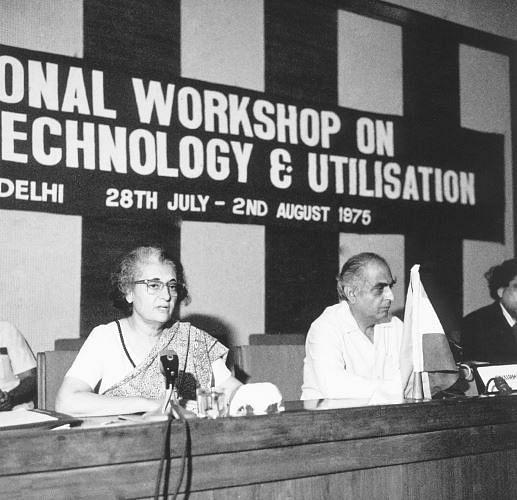 Haksar alongside Indira Gandhi at a workshop in July 1975.