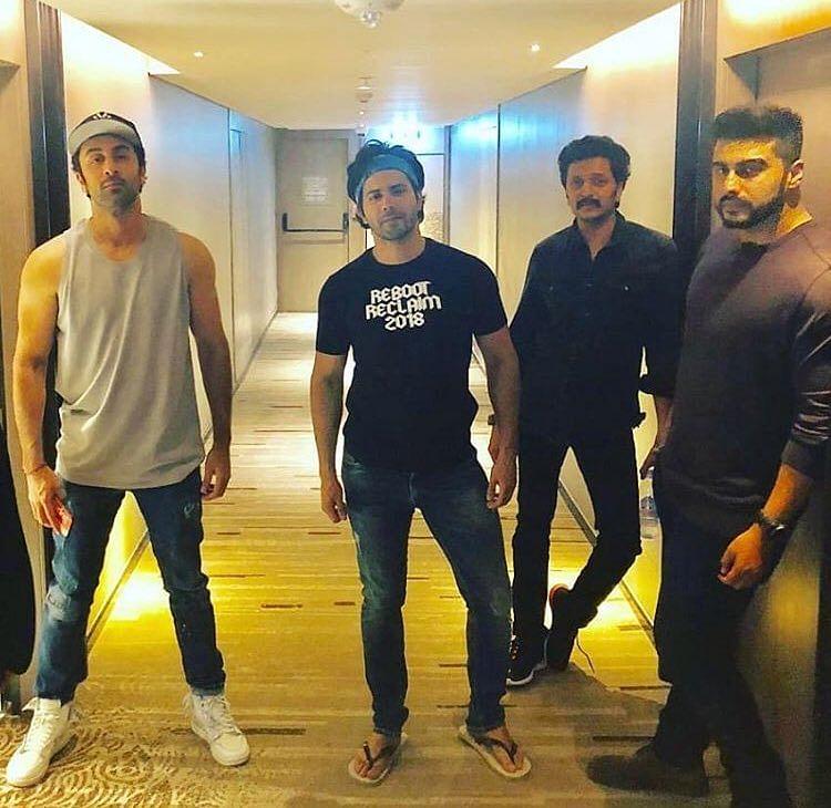 Ranbir Kapoor, Varun Dhawan, Arjun Kapoor and Riteish Deshmukh chill together.