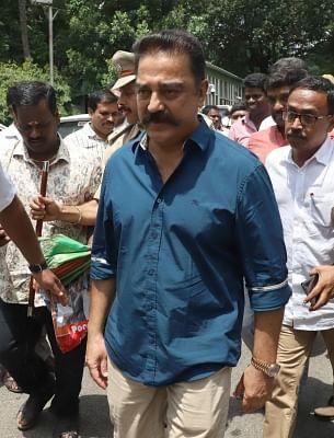 Bengaluru: Makkal Needhi Maiam chief Kamal Haasan arrives to address the media after meeting Karnataka Chief Minister H.D. Kumaraswamy, in Bengaluru on June 4, 2018. (Photo: IANS)