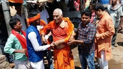 Injured social activist Swami Agnivesh after being assaulted in Pakur, Jharkhand.