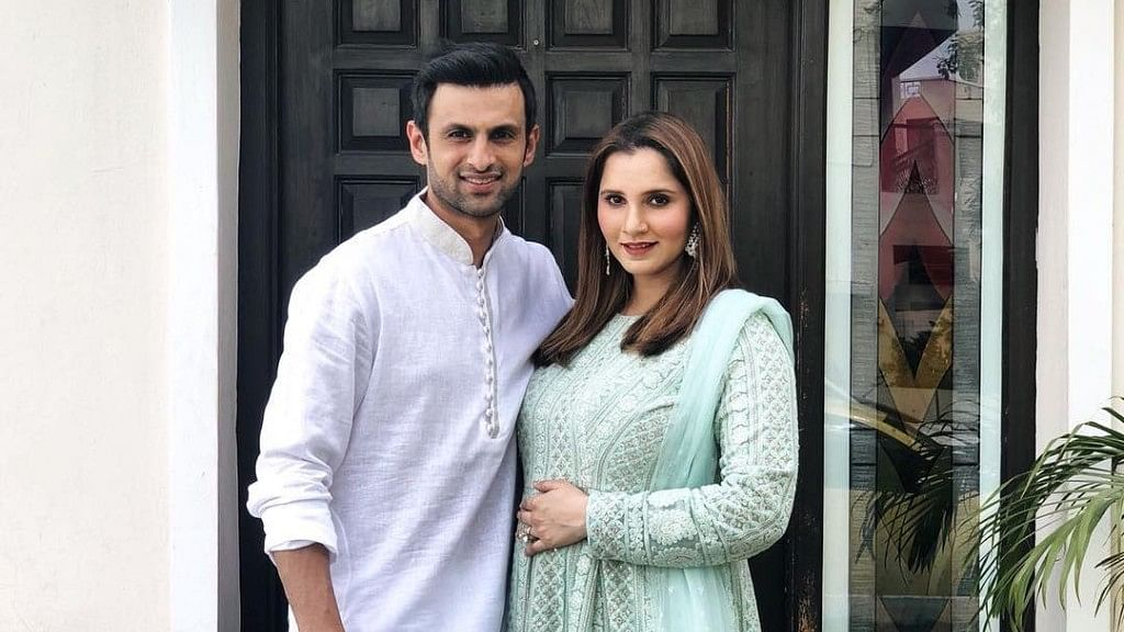 Shoaib to Meet Sania & Son Before Joining Team in England