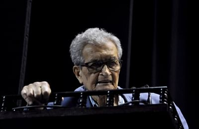 """Kolkata: Nobel laureate and noted economist Amartya Sen addresses at the launch of a report titled """"Primary Education in West Bengal: The Scope for Change"""", in Kolkata on July 10, 2018. (Photo: Kuntal Chakrabarty/IANS)"""