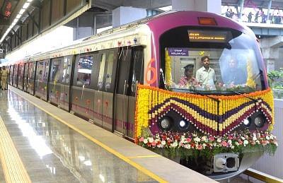 QAhmedabad: Ahmedabad Metro to Start Mid January & More