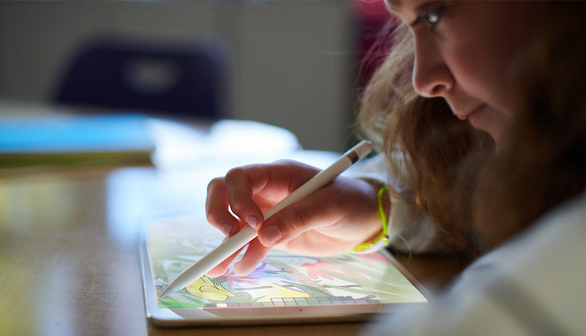 Apple iPad supports Pencil for creative purpose.