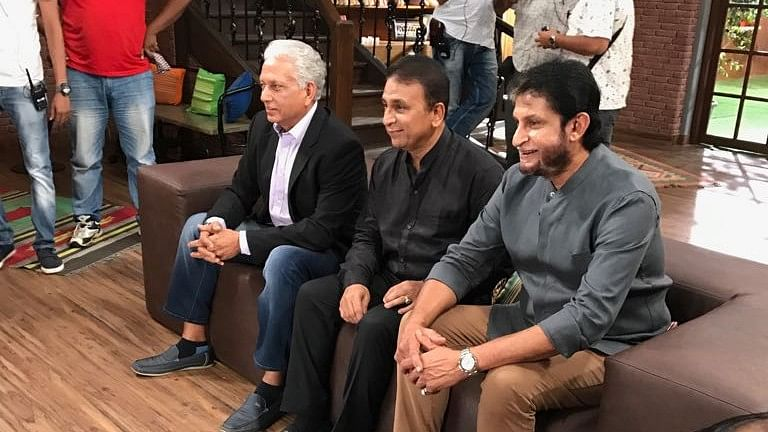 Sunil Gavaskar gets a picture clicked with Sandeep Patil (right) and Mohinder Amarnath (left).
