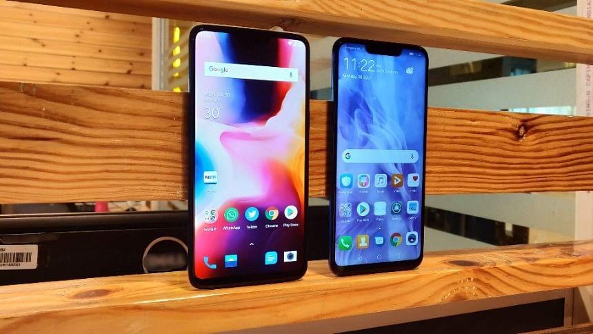 The OnePlus 6 (left) Vs Huawei Nova 3 (right)
