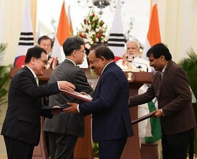 New Delhi: Prime Minister Narendra Modi and South Korean President Moon Jae-in witness exchange of agreements between India and South Korea at Hyderabad house, in New Delhi on July 10, 2018. (Photo: IANS/PIB)