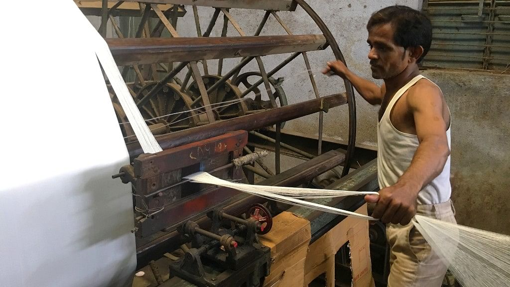 Power Looms Outside Maharashtra's Containment Zones to Resume Ops