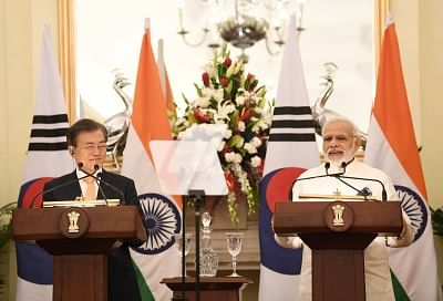 New Delhi: Prime Minister Narendra Modi issues press statement along with South Korean President Moon Jae-in at Hyderabad House, in New Delhi on July 10, 2018. (Photo: IANS/MEA)