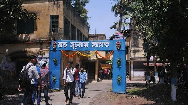 Trinamool Factions Clash: Bengal College Turns into Bombing Ground
