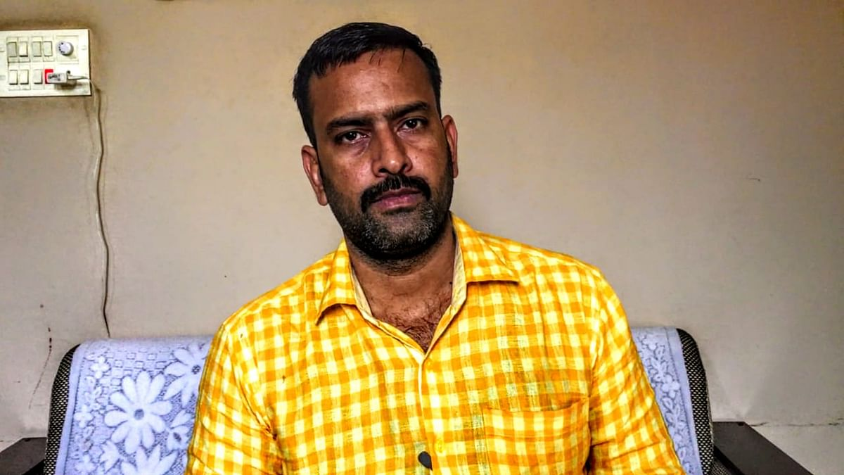 Anurag Dwivedi, whose centre's licensed expired in 2015, has stopped answering calls from The Quint.