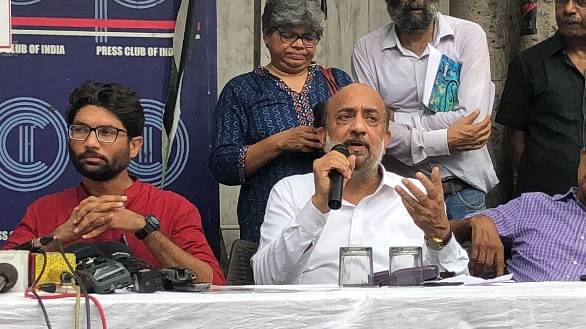 Sanjay Parikh speaking at the event.