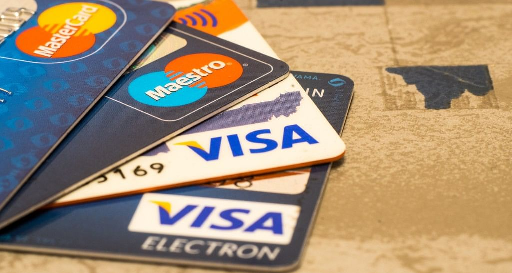 RBI announced the extension of the deadline for 'authentication on card' payments