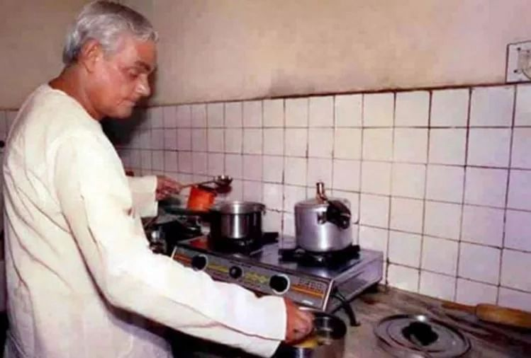 A rare photograph of Atal Bihari Vajpayee cooking up something.