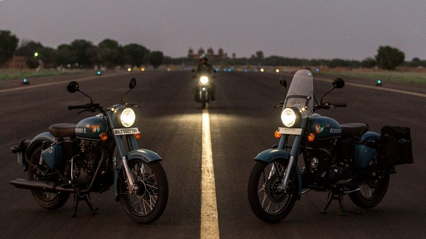 The Royal Enfield Classic Signals 350 comes with dual-channel ABS.