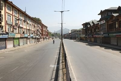 Srinagar: A view of deserted streets of Srinagar during a separatist-called protest shutdown to voice support for Article 35A on Aug 31, 2018. (Photo: IANS)