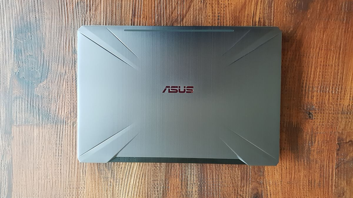The Asus Tuff FX504 weighs 2.3 Kg.