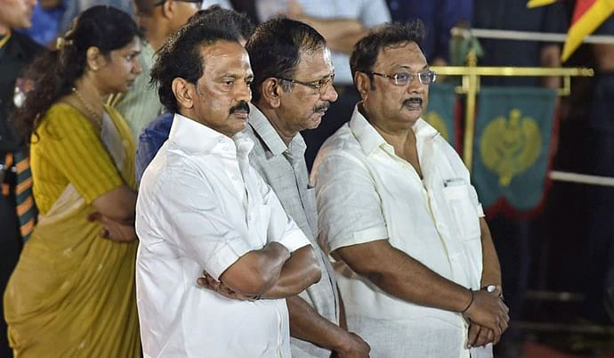 MK Stalin (left) with estranged brother MK Alagiri (right-end) at the memorial service of Kalaignar Karunanidhi.