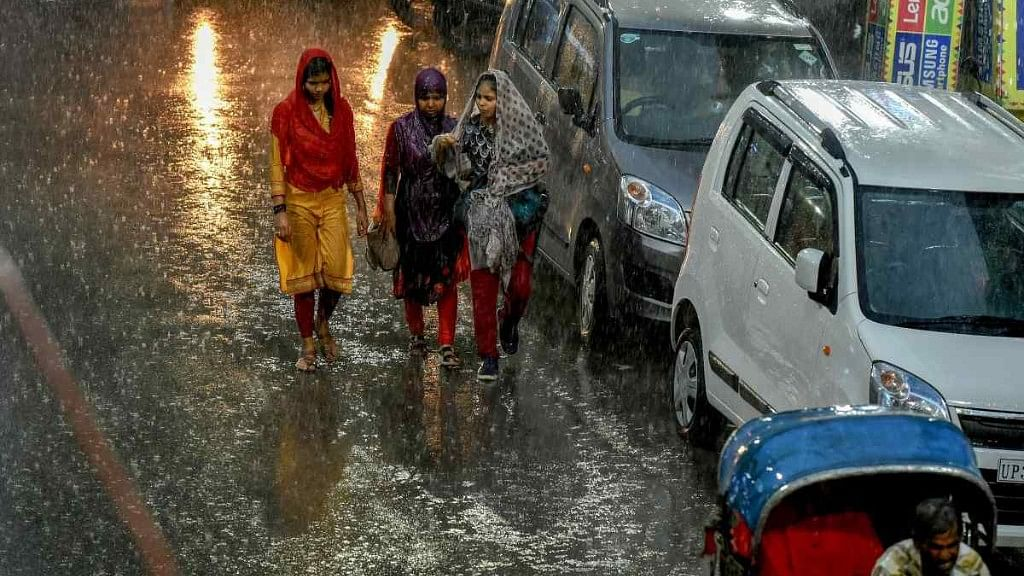 UP Rains: Thousands Affected as Ganga Flows Above Danger Mark