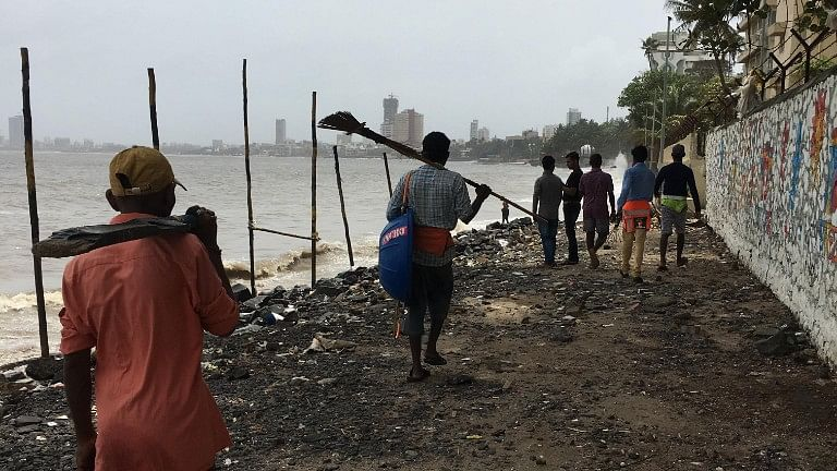 My Report: Citizens, Not Hospitals, Making Dadar Beach Toxic