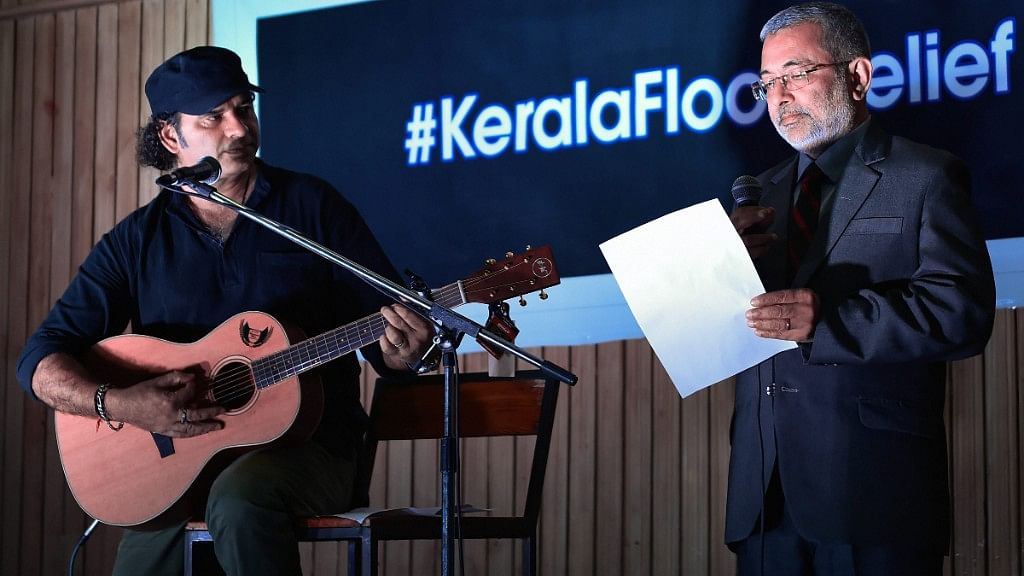 #GoodNews: SC Judge Sings 'We Shall Overcome' for Kerala