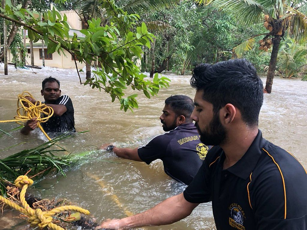 The Indian Navy built a makeshift bridge in Thrissur for rescue operations.