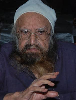 Late writer Khushwant Singh. (Photo: IANS)