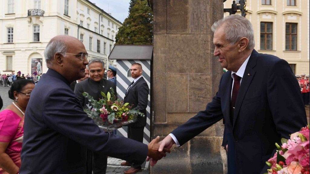 Presidnt Ram Nath Kovind is greeted by President Zeman of the Czech Republic.