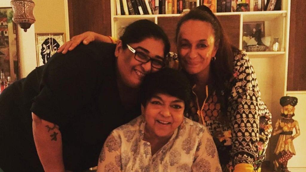 Bollywood Pays Respects After Kalpana Lajmi's Death
