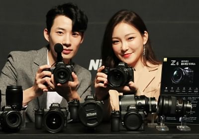 Seoul: Models showcase full-frame, mirrorless Z7 and Z6 cameras during a publicity event in Seoul on Aug. 28, 2018, organized by Nikon Imaging Korea Co., the South Korean unit of Japan