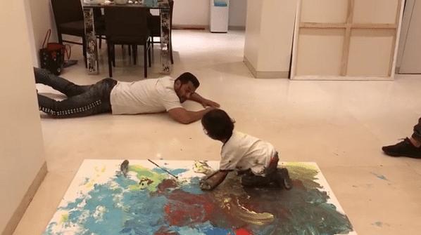 Salman Khan turns art teacher for Ahil.