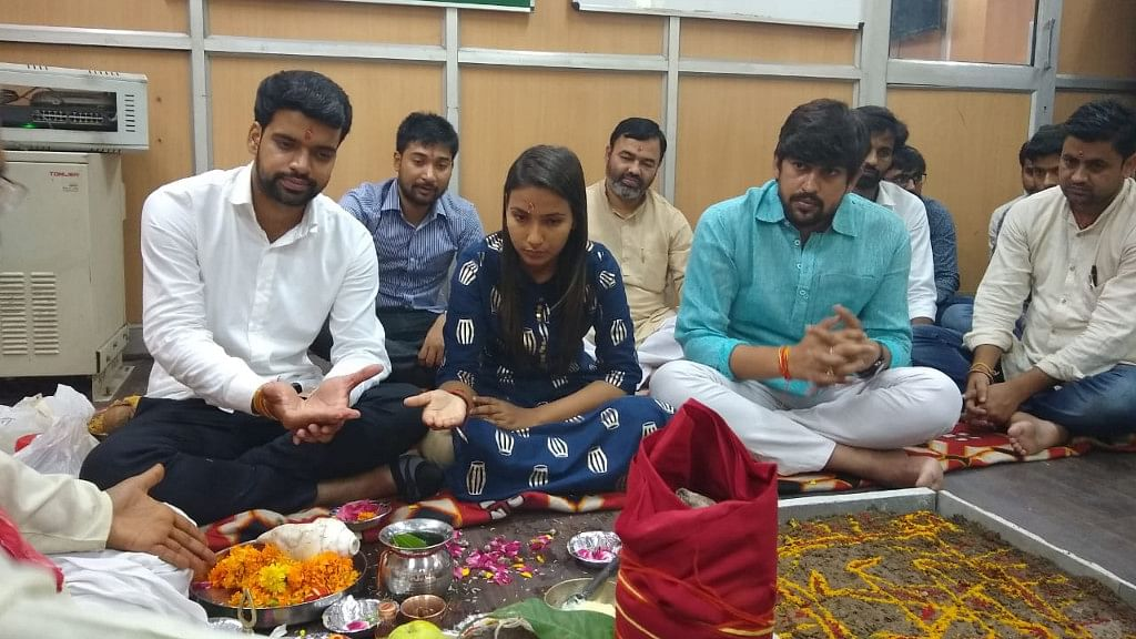ABVP leader Baisoya has gone ahead  to conduct a <i>havan </i>at the DUSU office before taking charge on Wednesday.