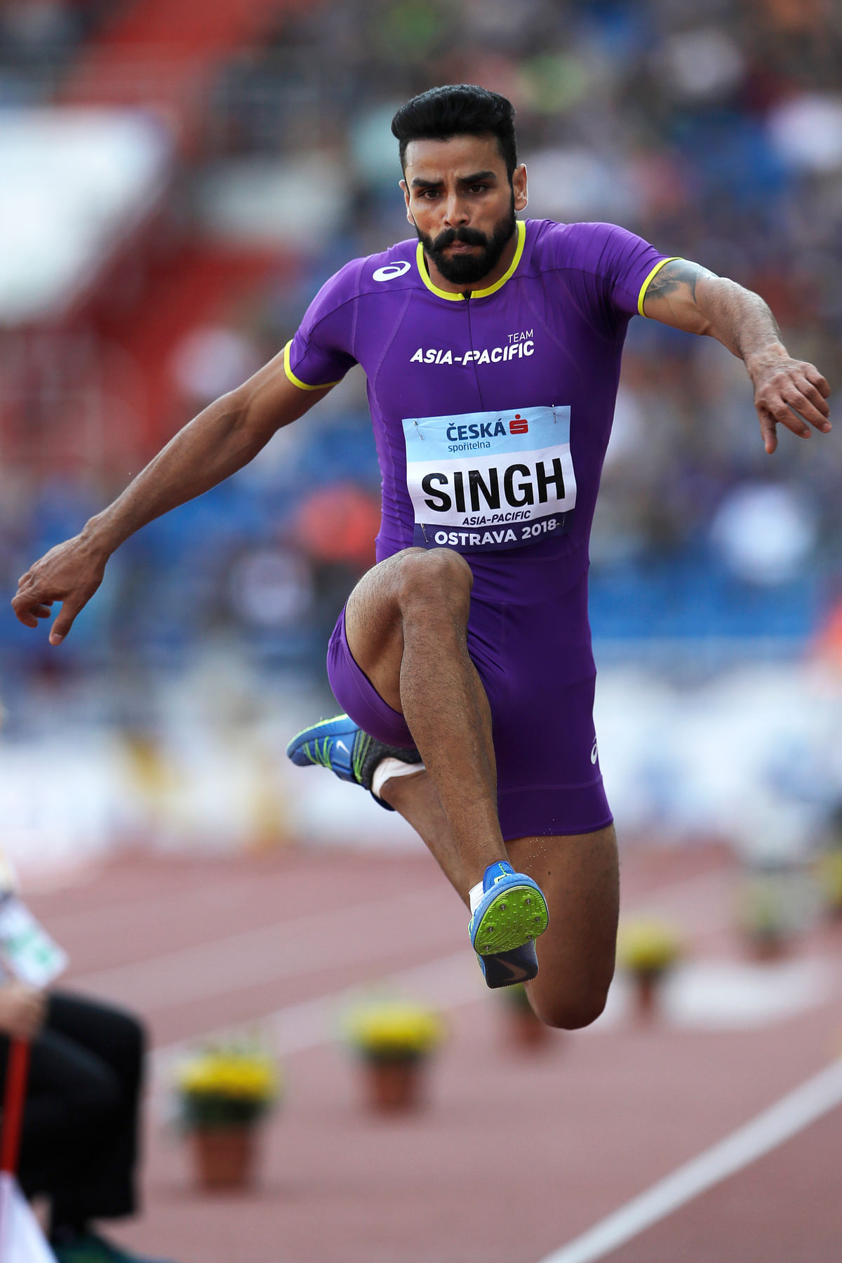 Arpinder, who had won a gold in the Asian Games in Jakarta, cleared 16.59m in the first of his three jumps to be in the four-man semi-finals.