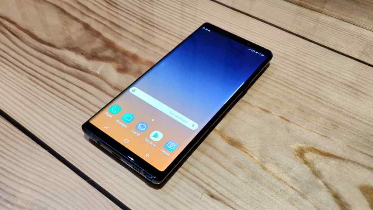 Galaxy Note 9 sports a 6.4-inch Super AMOLED screen.