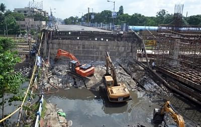 Kolkata: An aerial view of the site where a portion of the Majerhat bridge had collapsed, in Kolkata on Sept 8, 2018. (Photo: IANS)