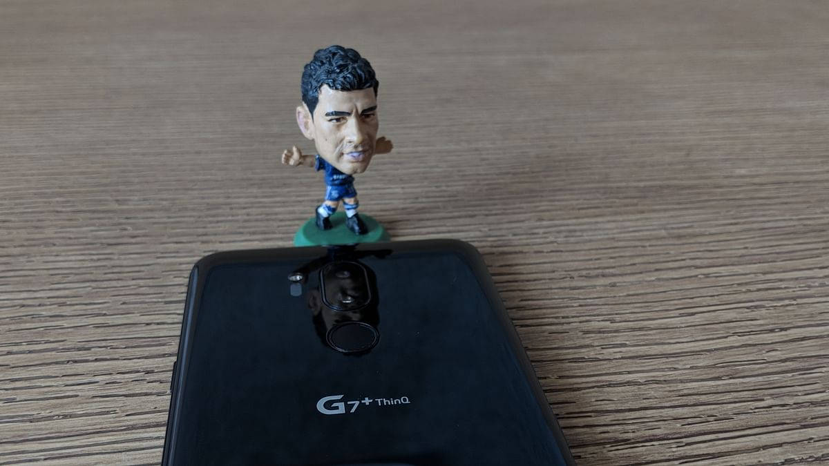 Diego Costa seems to like this phone.