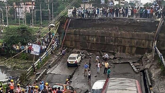 Majerhat Flyover Collapses in Kolkata