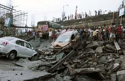 Kolkata: Rescue operations underway at the site where a bridge collapsed in South Kolkata