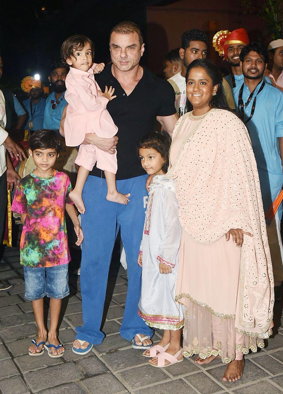 Sohail Khan smiles with Arpita.