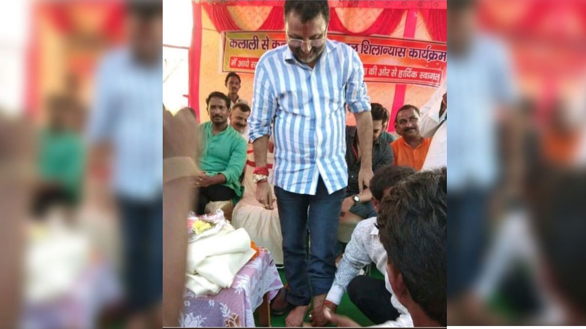"""BJP Worker Who Washed MP's Feet Now Sues Media for """"Mental Agony"""""""