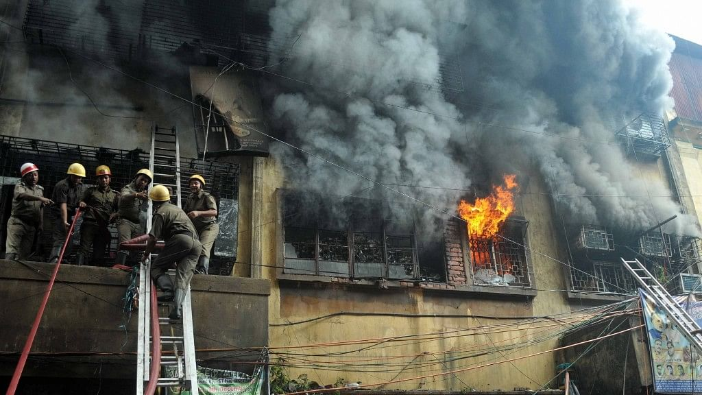 Fire Breaks Out in Kolkata's Bagri Market, Rescue Ops Continue