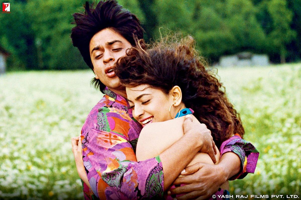 Shah Rukh Khan and Juhi Chawla in <i>Darr.&nbsp;</i>
