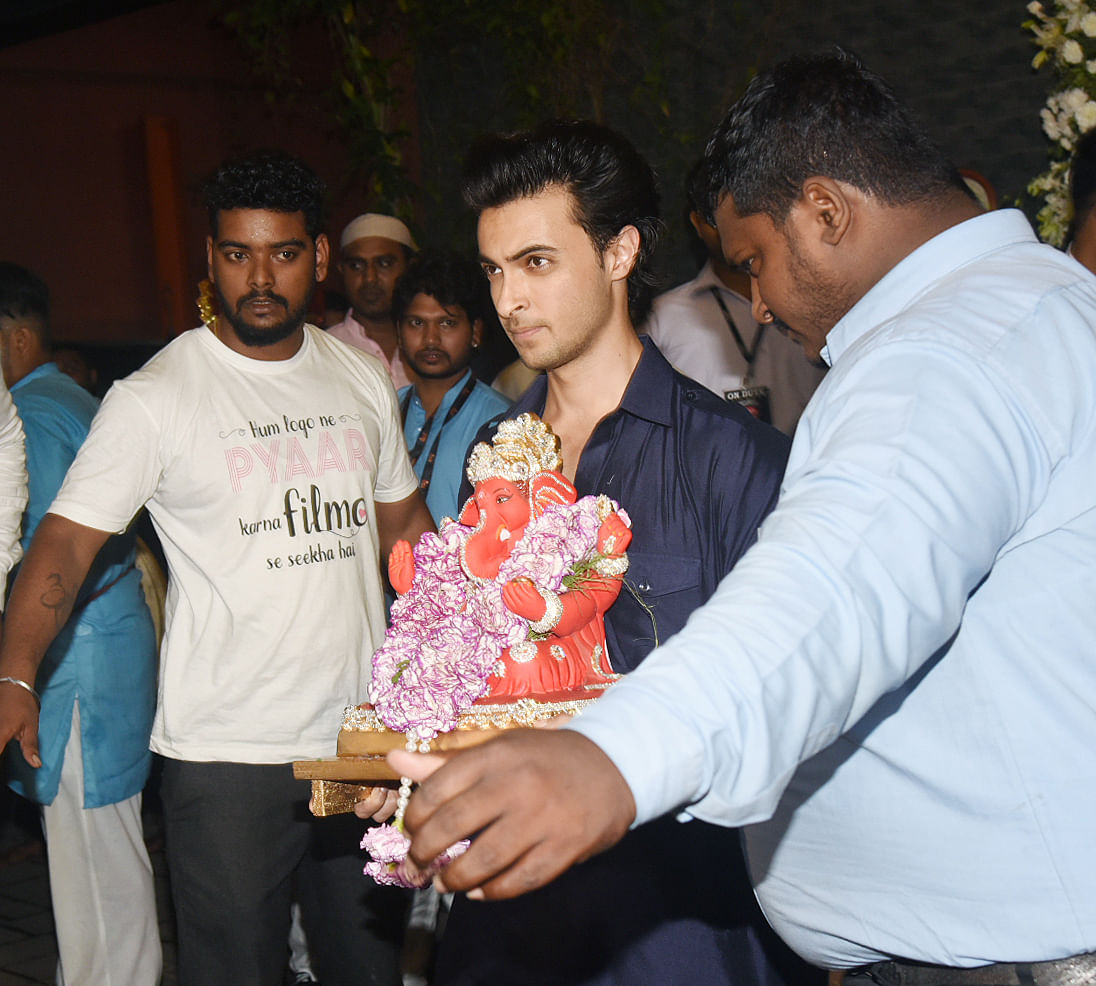 Aayush Sharma was spotted during visarjan.