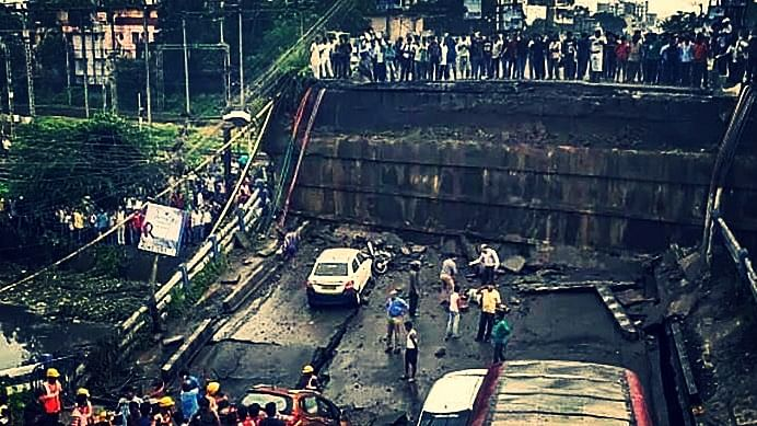 A part of the Majerhat flyover collapsed on the evening of Tuesday, 4 September.
